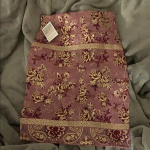 LuLaRoe Cassie - large - floral with gold detail